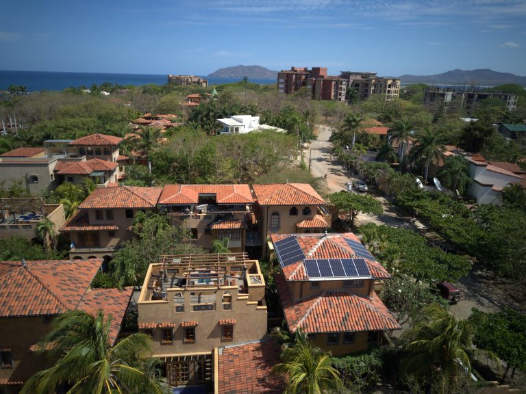 Playa Langosta Villa Court Yard