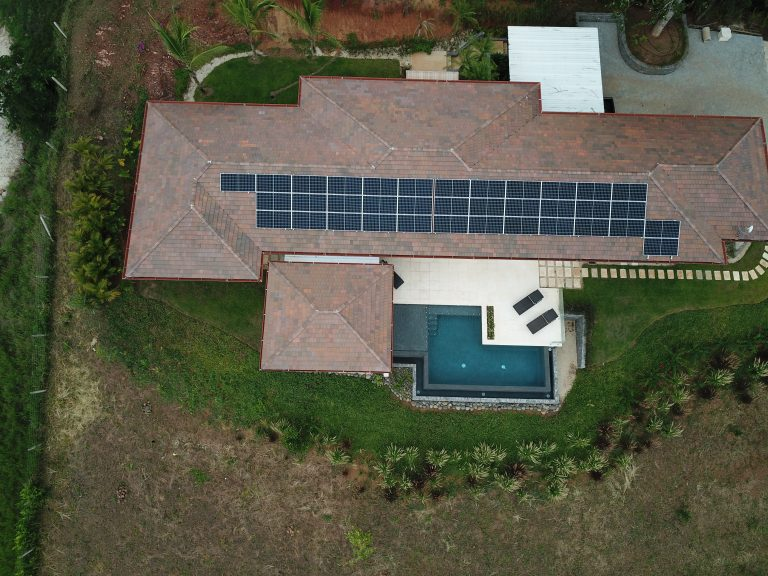Playa Grande Tamarindo 13.3 kW LG storage